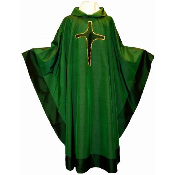 Seidenkasel - grün mit appliziertem Kreuz und Blende