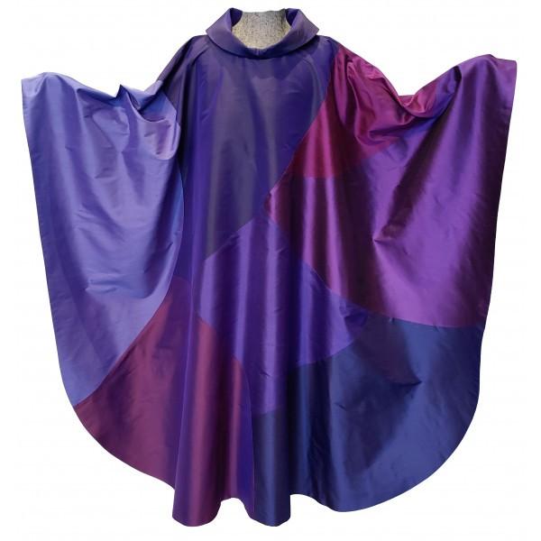 moderne violette Seidenkasel - 7 Flächen