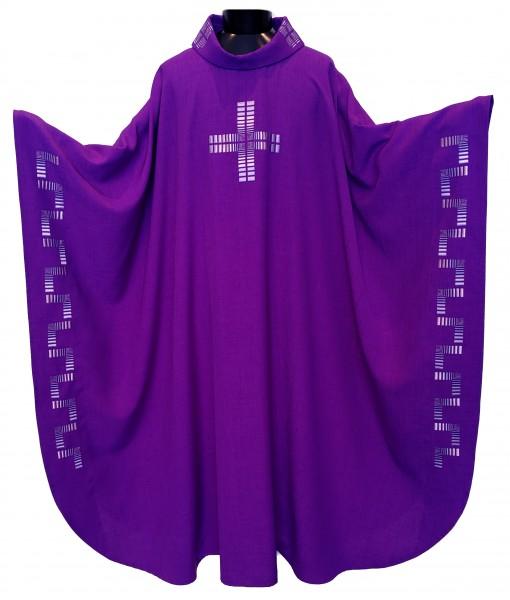 Messgewand - violett mit Randbestickung und Kreuz - Vorderteil