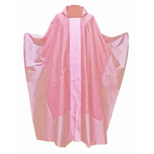 modernes rosafarbenes Messgewand aus Seide
