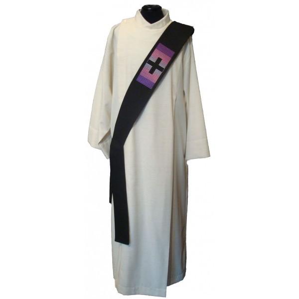 Schwarze Diakonstola mit Kreuzen - Vorderteil