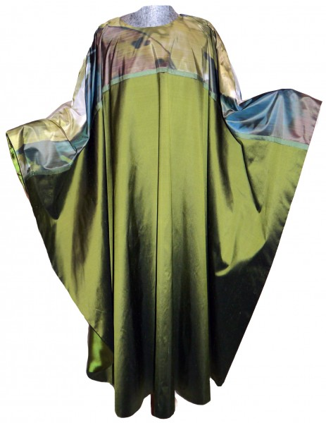 Seidengewand - grün mit bedruckter Passe