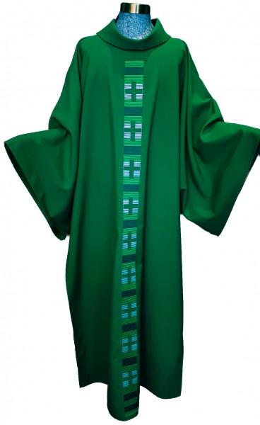 Grüne Dalmatik mit dezent eingesticktem Mittelstab - Vorderteil