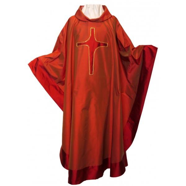 Seidenkasel - rot mit appliziertem Kreuz und Blende