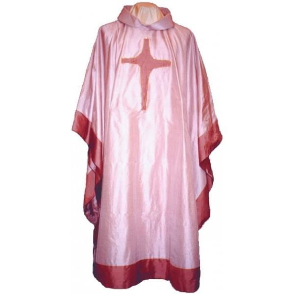 Seidenkasel - rosafarben mit appliziertem Kreuz und Blende