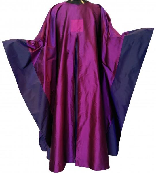 Seidenkasel violett mit Falte