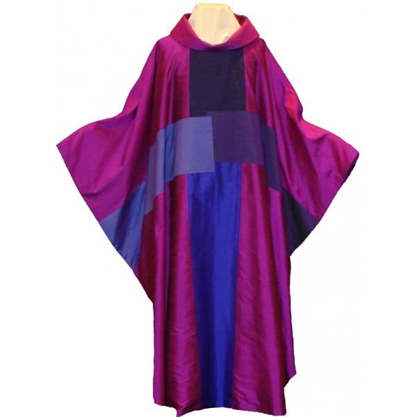 Seidenkasel - rotviolett mit 4-teiligem Kreuz